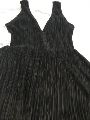 Schwarzes Plisseekleid neu
