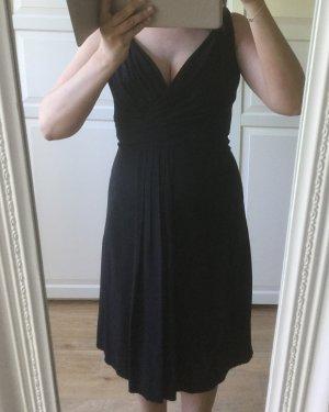Schwarzes Prada Midi Kleid mit tiefem Dekolleté