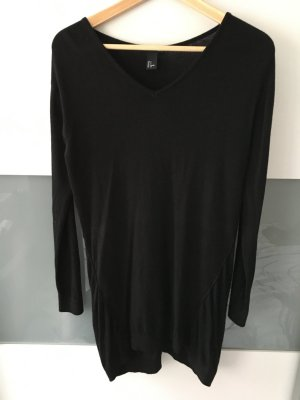 Schwarzes Pullover-Kleid