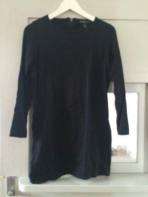 Schwarzes Pulloverkleid von H&M