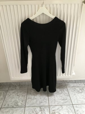 Schwarzes rückenfreies Kleid von TOPSHOP