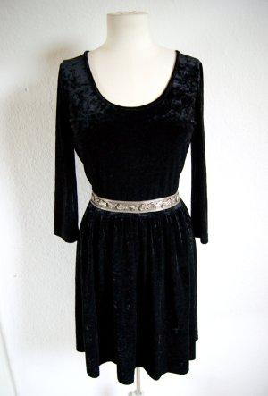 schwarzes Samtkleid, Samtkleid goth, blogger grunge