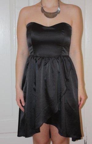 Amisu Vestido bandeau negro Satén