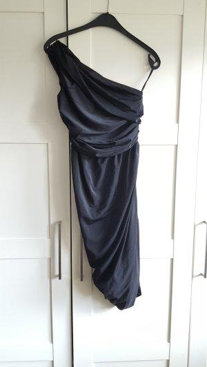 schwarzes schickes Kleid