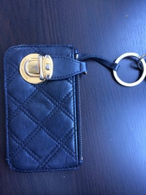 Schwarzes Schlüsseletui von Marc Jacobs mit Steppmuster