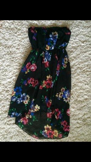 Schwarzes schulternfreies Kleid mit Blumenmuster