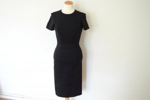 schwarzes Shift Etui Kleid tailliert und knielang