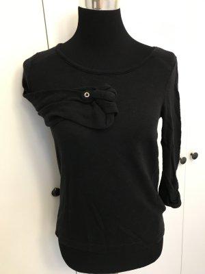 Schwarzes Shirt mit Ärmelknopf