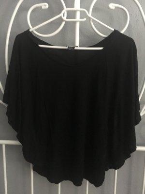 Schwarzes Shirt mit Fledermausärmeln