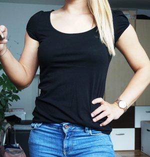 schwarzes Shirt mit leichten Puffärmeln