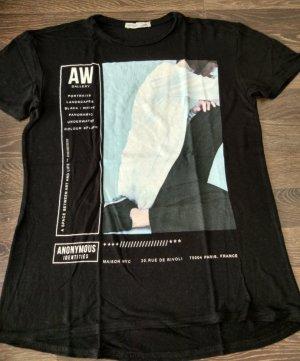 Schwarzes Shirt mit Motiv