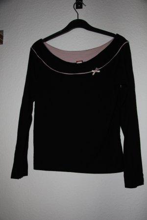 schwarzes Shirt mit rosa Schleife