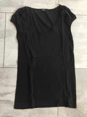 Schwarzes Shirt mit Spitze am Dekolte von only