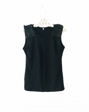 schwarzes shirt / top / vegan leather / tanktop