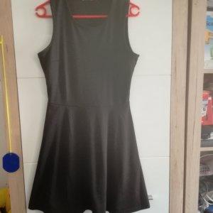 Schwarzes Skaterkleid