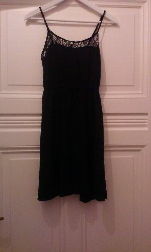 Schwarzes Sommerkleid von H&M