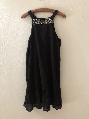 schwarzes Sommerkleid von Mango