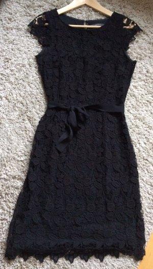 schwarzes Spitzenkleid von Esprit