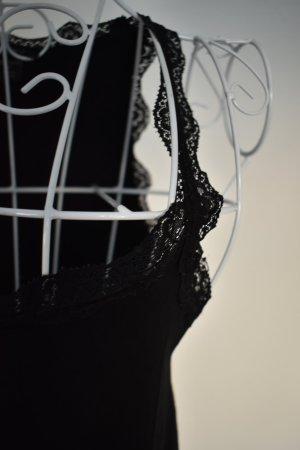 Schwarzes Spitzentop by Amisu