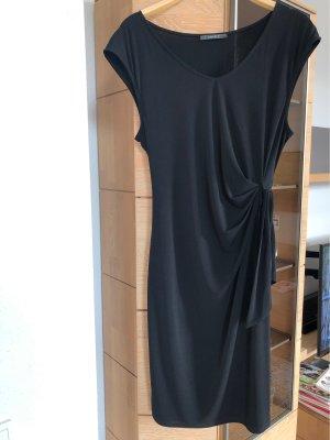 Schwarzes Stretchkleid von Esprit