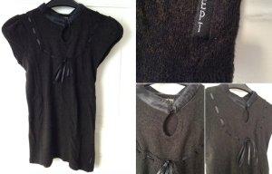 Schwarzes Stricktop mit glänzendem Kragen im Geisha Stil