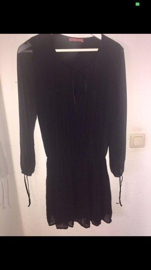 Schwarzes süßes Kleid