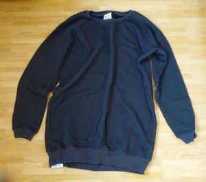 Schwarzes Sweaterdress