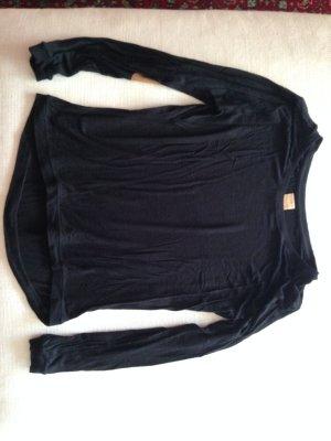 Schwarzes Sweatshirt mit Aufnähern am Ellenbogen