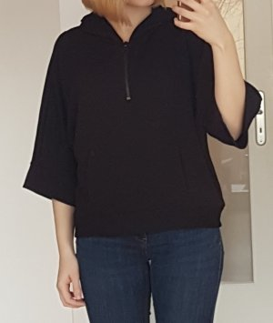 Schwarzes Sweatshirt mit Kapuze