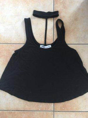 Schwarzes T Shirt mit Halsdetail