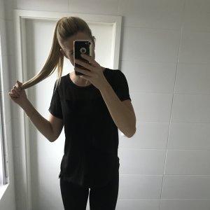 schwarzes T-Shirt mit Netzeinsatz