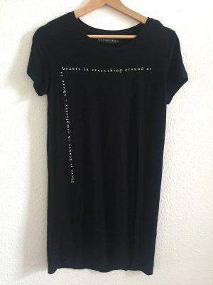 Schwarzes T-Shirt mit Schriftzug