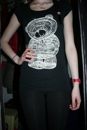 schwarzes T-Shirt mit Teddy-Aufdruck