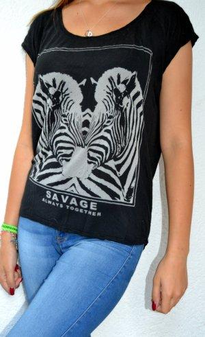 Schwarzes T-Shirt vmit Savage Print :)
