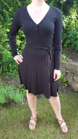 schwarzes Tanzkleid