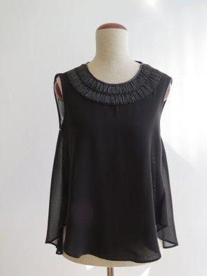 Schwarzes Top von Zara mit Perlenkragen
