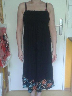 schwarzes Trägerkleid, gesmokt mit Stickerei von H&M, 38