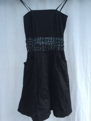 schwarzes Trägerkleid in Größe S