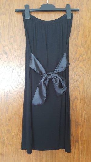 Schwarzes trägerloses Kleid