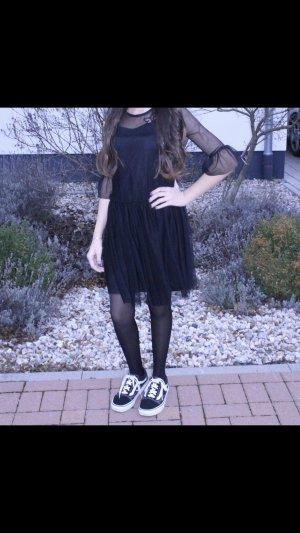 Schwarzes Tüll Kleid
