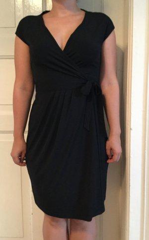 Schwarzes Wickelkleid von Esprit