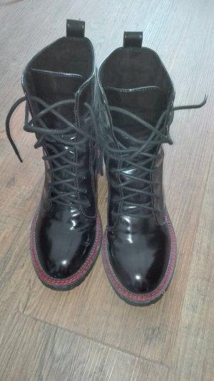 schwarzlack Stiefel von Bershka