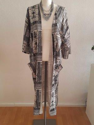 Schwarzweißer Kimono