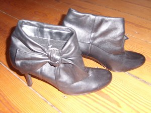 Fifth Avenue Slouch Booties black leather