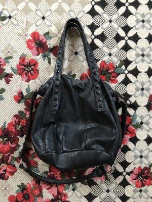 Schwedische Designer Tasche Black Lily / Umhängetasche Leder schwarz