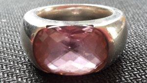 schwerer Silberring mit rosafarbenen Stein