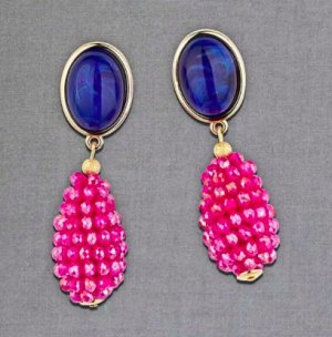 Ear stud blue-pink