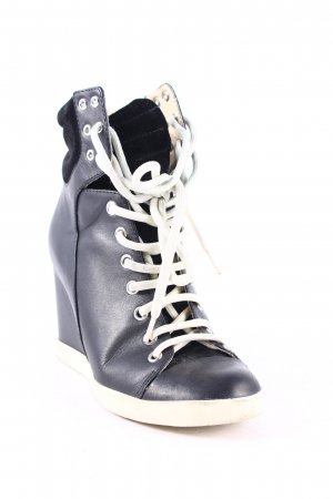 See by Chloé Wedge Sneaker schwarz-creme Street-Fashion-Look