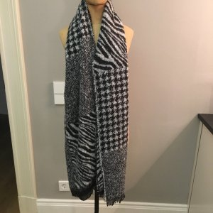 Seeberger Knitted Scarf white-black polyester