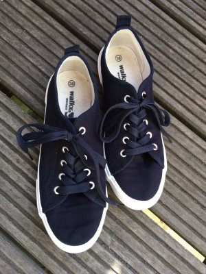 Lace-Up Sneaker white-dark blue